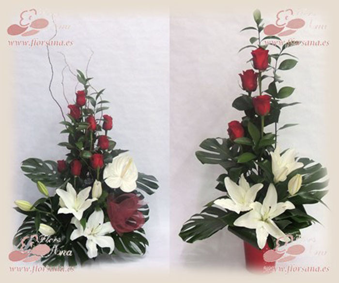 Decoracion Bodas De Oro ~ Elegant composition made with white roses , papyrus, and aspidistra